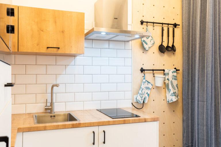 Перфо-борд на кухне