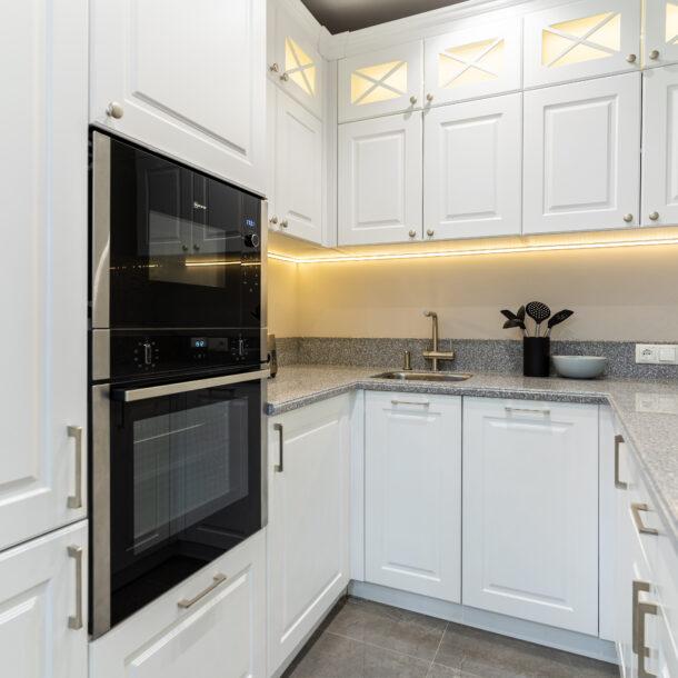 Классическая кухня в белом цвете